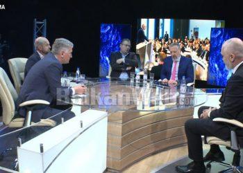 """""""Për Shqipërinë jam gati të vishem me lecka""""! Rama flet për donacionet: S'janë kredi në ditë me diell! (Një mesazh për negociatat)"""